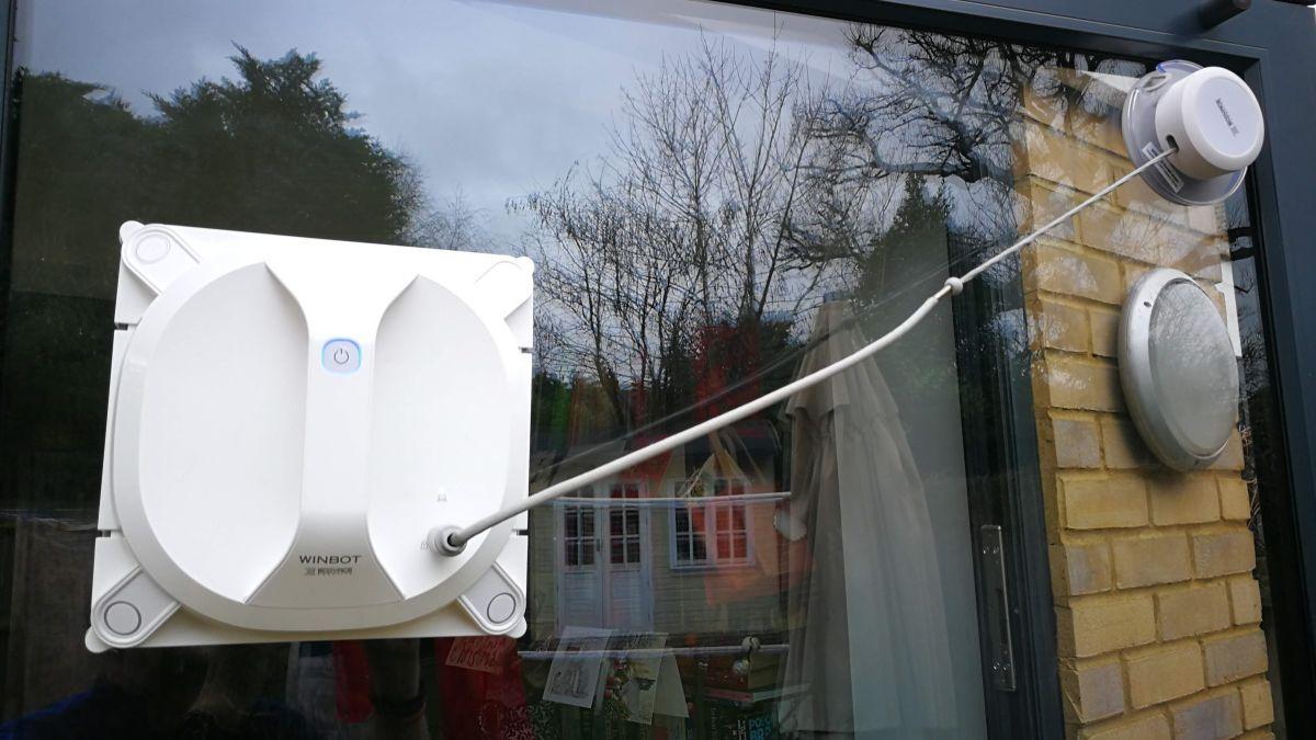 Ecovacs Robotics WINBOT-X review