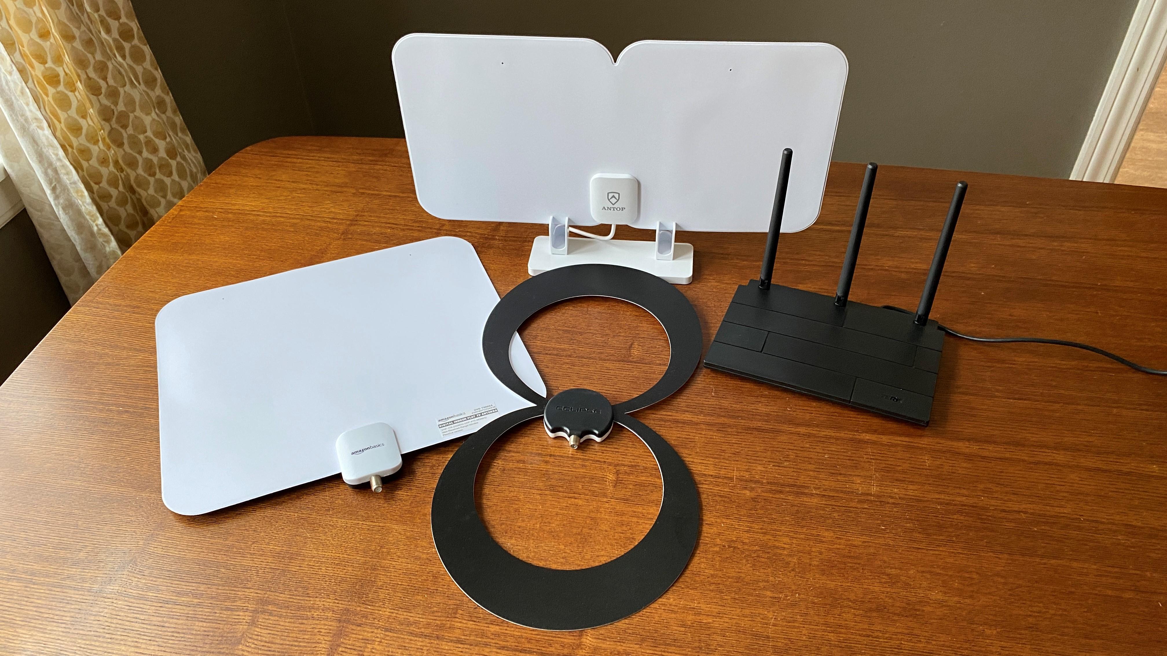 Best indoor TV antennas 2021: 6 great digital TV antennas for inside your  home | TechRadar
