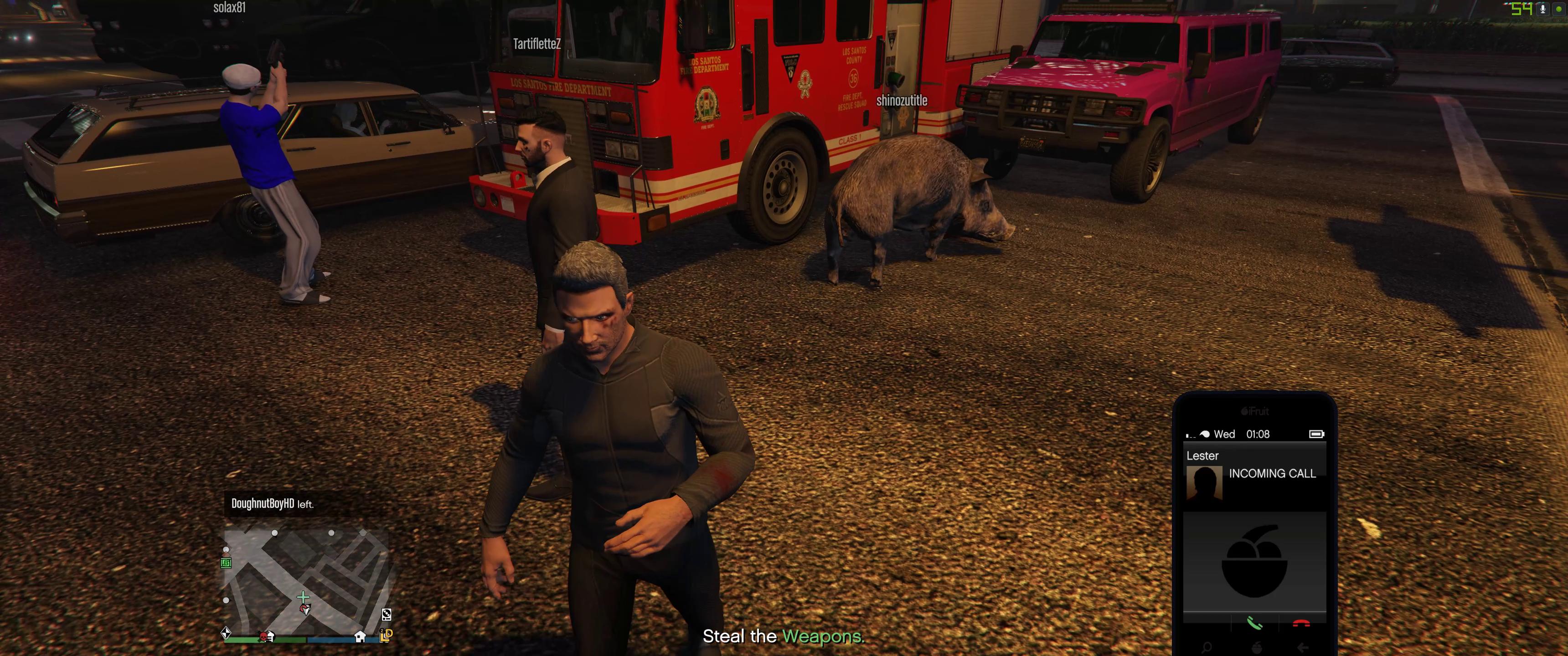 Les pirates en ligne de GTA ont rejoint cette session avec un camion de pompiers volant et un homme déguisé en cochon