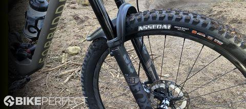 Fox 36 Float Performance Elite Grip 2 fork on the mountain bike trail