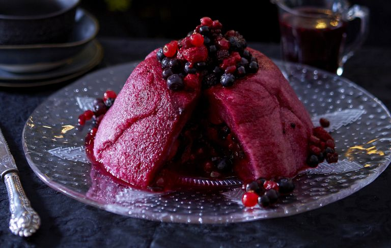 Mulled wine pudding
