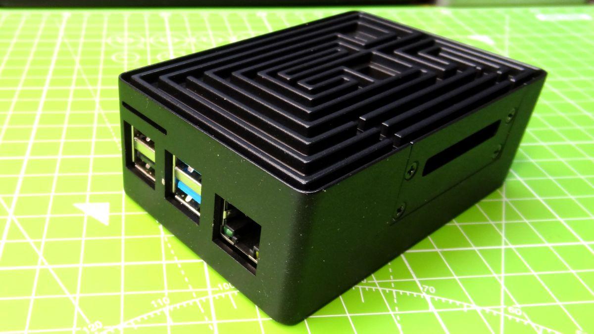 Akasa Maze Pro Raspberry Pi Case Review: Unique Design, Passive Cooling