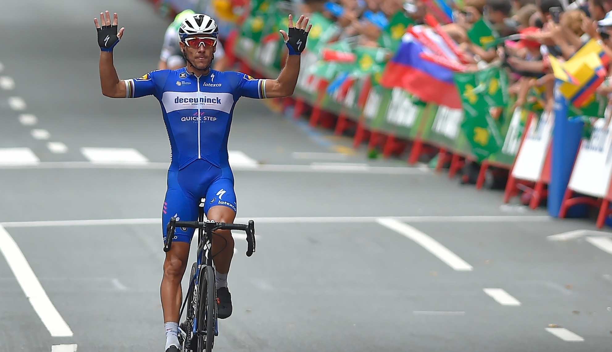 Philippe Gilbert wins from breakaway on stage 12 of the Vuelta a España 2019