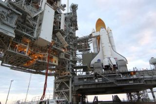 NASA Fixing Fuel Leak on Space Shuttle Discovery