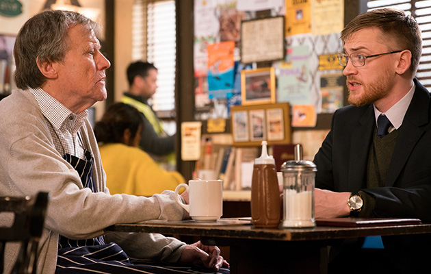 Coronation Street Spoilers: Wayne agrees to help Roy Cropper