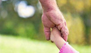 dad-daughter-hands-110830-02