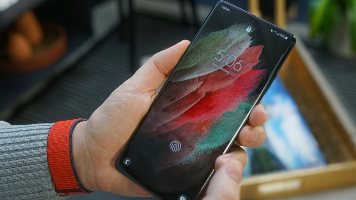 Samsung's Galaxy S21 proves the time is right for iPhone 13 to get in-screen Touch ID
