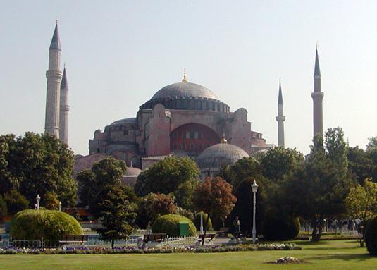 Famous buildings: Hagia Sophia in Istanbul