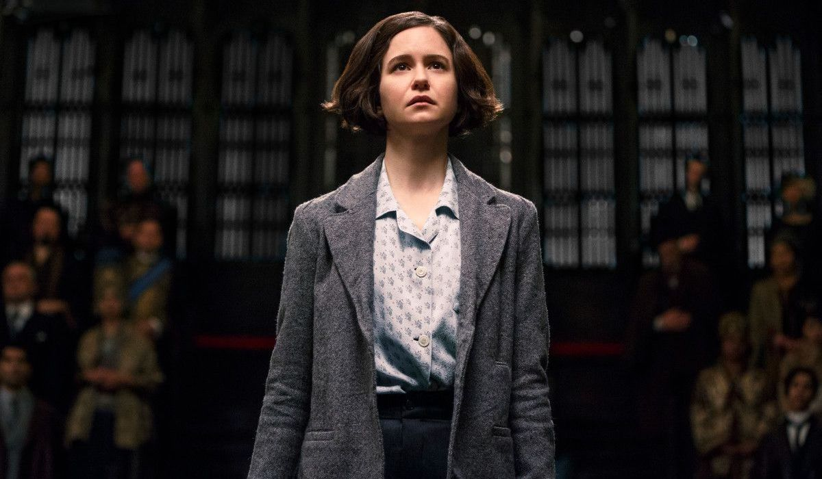 Katherine Waterson as Tina Goldstein in Fantastic Beasts