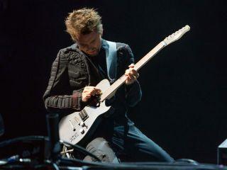 How to play guitar like... Matt Bellamy