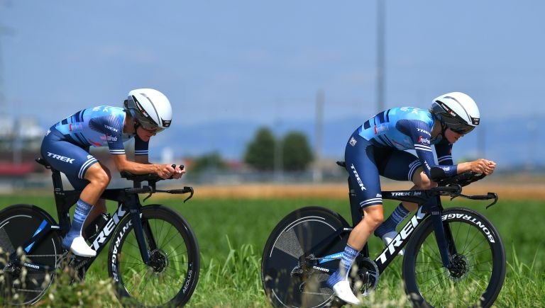 Lizzie Deignan and Ruth Winder during the opening TTT of the Giro Donne