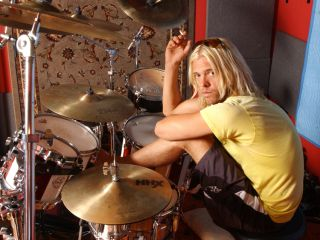 With Red Light Fever Taylor Hawkins and his band The Coattail Riders serve up a winner
