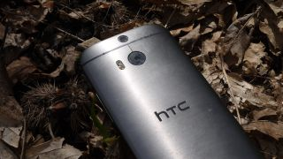 HTC hints at smartphone with optical zoom camera within 18 months