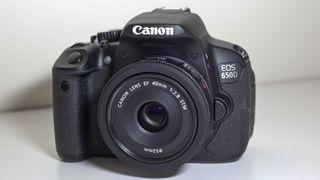 Canon EOS 650D vs Nikon D5200
