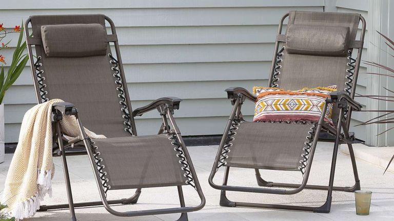 The best garden sun lounger: Helsinki pair of sun loungers from Dunelm