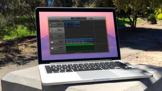 GarageBand: How to fade out