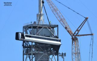 SpaceX Installs Astronaut Walkway at Pad 39A