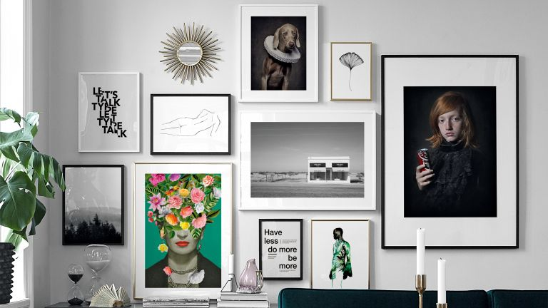 Wall gallery with different frames