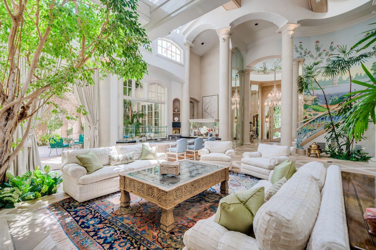Step inside the opulent home of Hollywood star Rhonda Fleming
