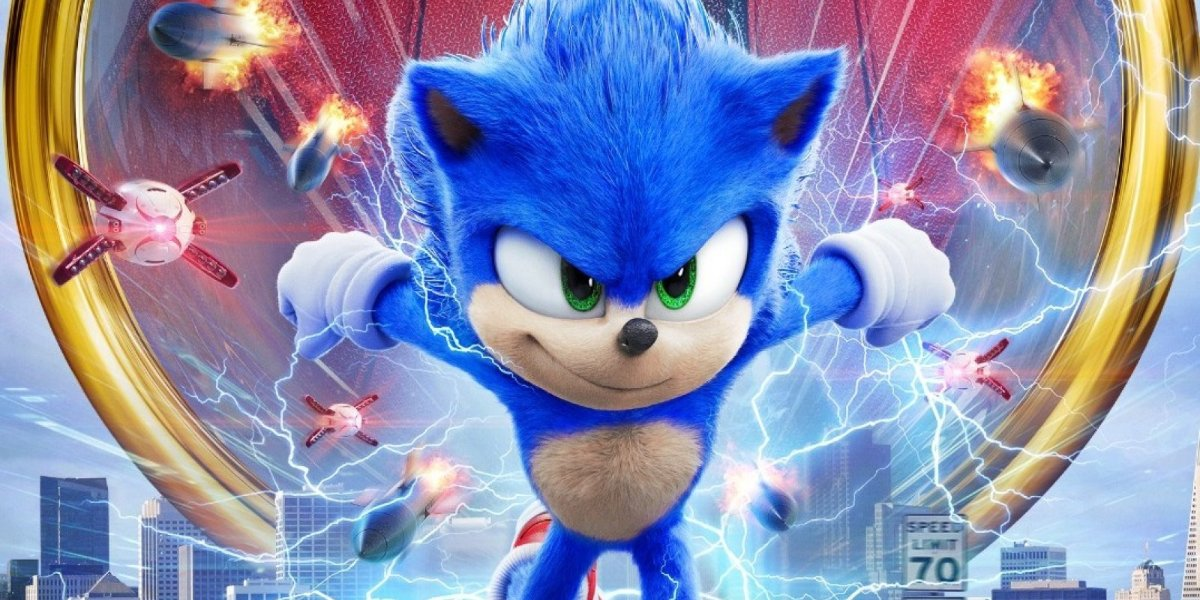 Sonic The Hedgehog running out of a ring, away from some dangerous drones