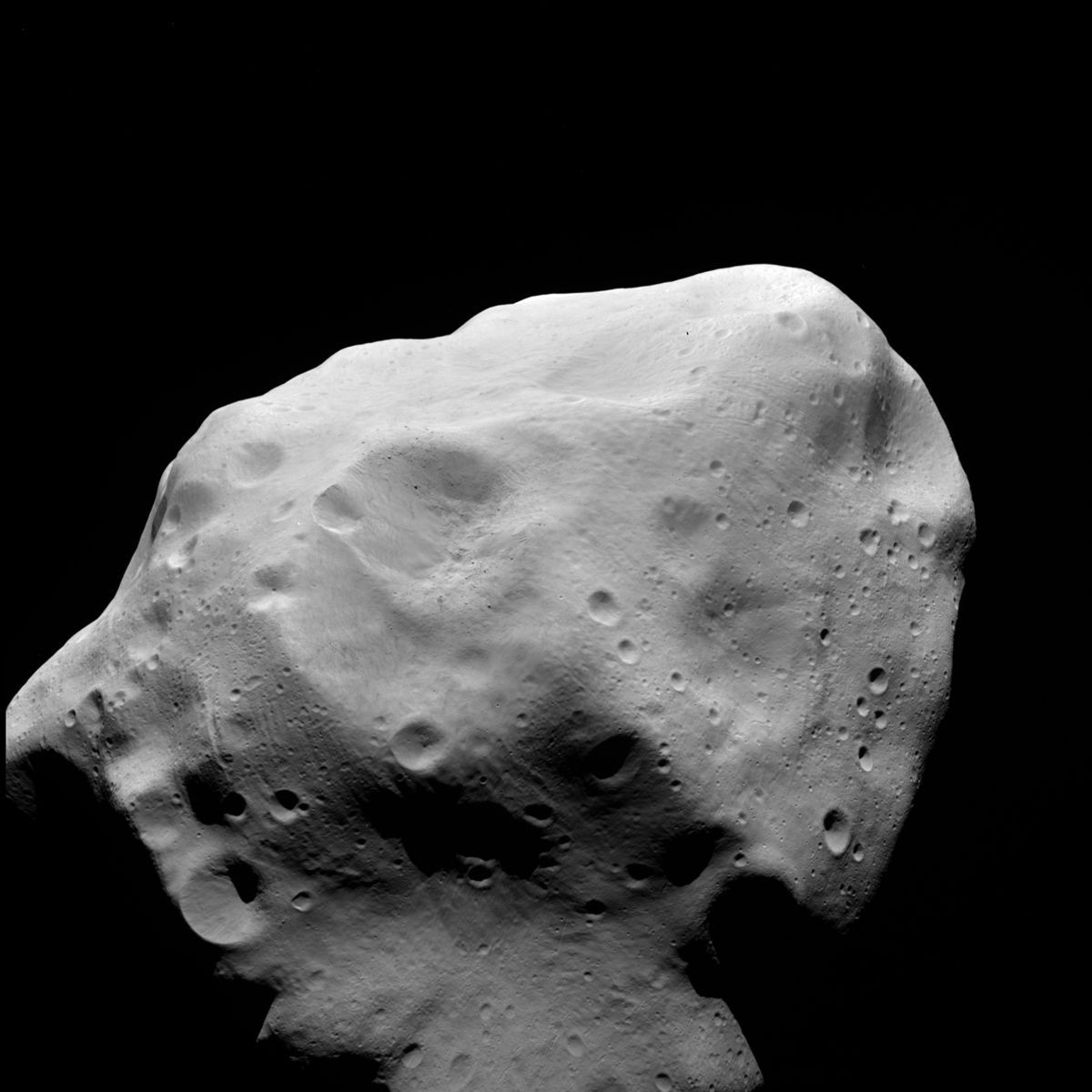 What is the main reason that scientists study asteroids?