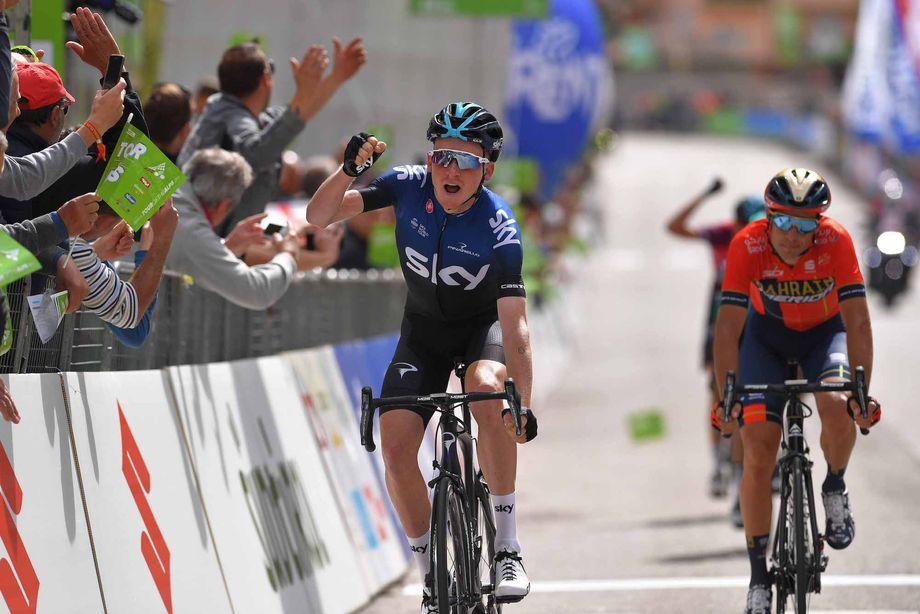 Tao Geoghegan Hart out-sprints Vincenzo Nibali to win Tour