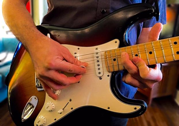 How to Melt Faces by Combining Tremolo Picking and Tapping   Guitarworld