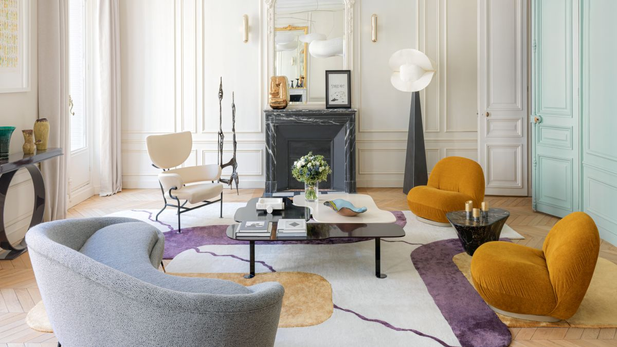 This 19th century apartment is a lesson in combining architectural details with modern design