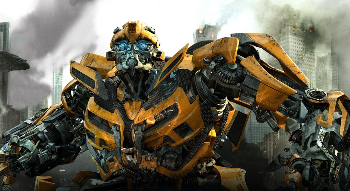 Transformers: The Last Knight - Michael Bay reveals first look at new Bumblebee