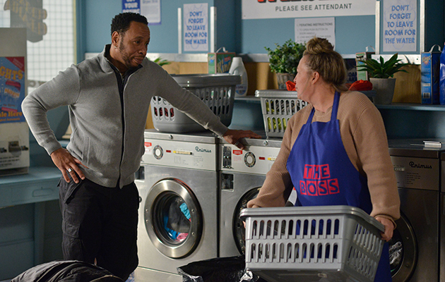 EastEnders spilers: Karen Taylor gives in to her ex Mitch Baker's charms