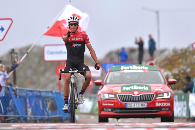 Alberto Contador conquers the Angliru during stage 20 at the Vuelta
