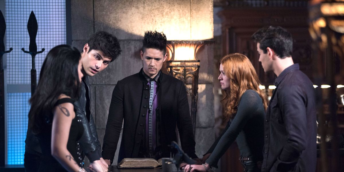 Some of the main cast of Shadowhunters.