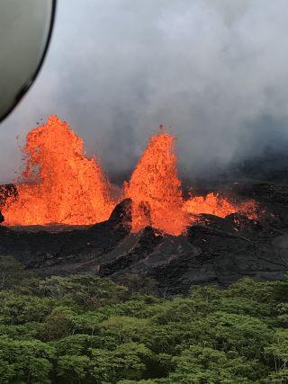 Kilauea fountaining May 21