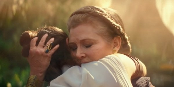 Leia hugging Rey in The Rise of Skywalker trailer
