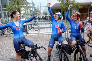 Marta Cavalli, Elisa Longo Borghini and Elena Cecchini enjoy the moment after winning the Team Relay at the European Championships