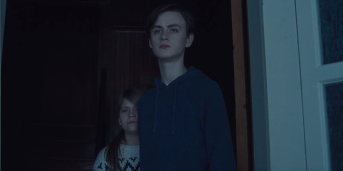 Jaeden Martell and Lia McHugh in The Lodge
