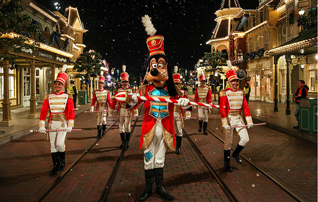 Disneyland Paris – 8 top tips for parents with young children on how to make the most of it!