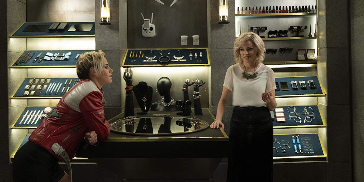 Kristen Stewart and Elizabeth Banks in Charlie's Angels