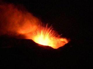 mt-etna-eruption-jan12-110113-02