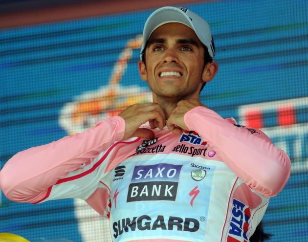 Alberto Contador on podium, Giro d'Italia 2011, stage nine