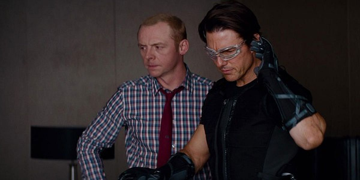 Simon Pegg and Tom Cruise in Mission: Impossible Ghost Protocol