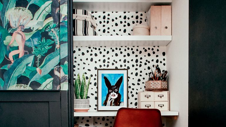Alcove ideas: Small home office built in an alcove