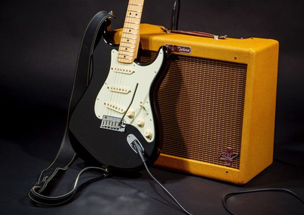 review fender the edge strat and the edge deluxe amp guitarworld. Black Bedroom Furniture Sets. Home Design Ideas