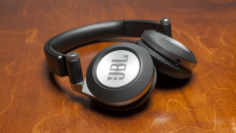 JBL Synchros E40BT review