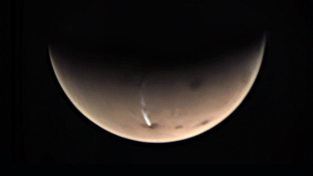 A weird long cloud on Mars has returned. It's right on schedule, scientists say.