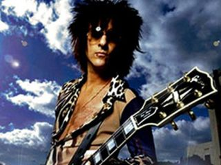 Your Questions For Billy Idol Guitarist Steve Stevens