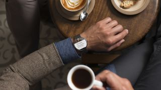 Moto 360 shown off in all its glory in official video