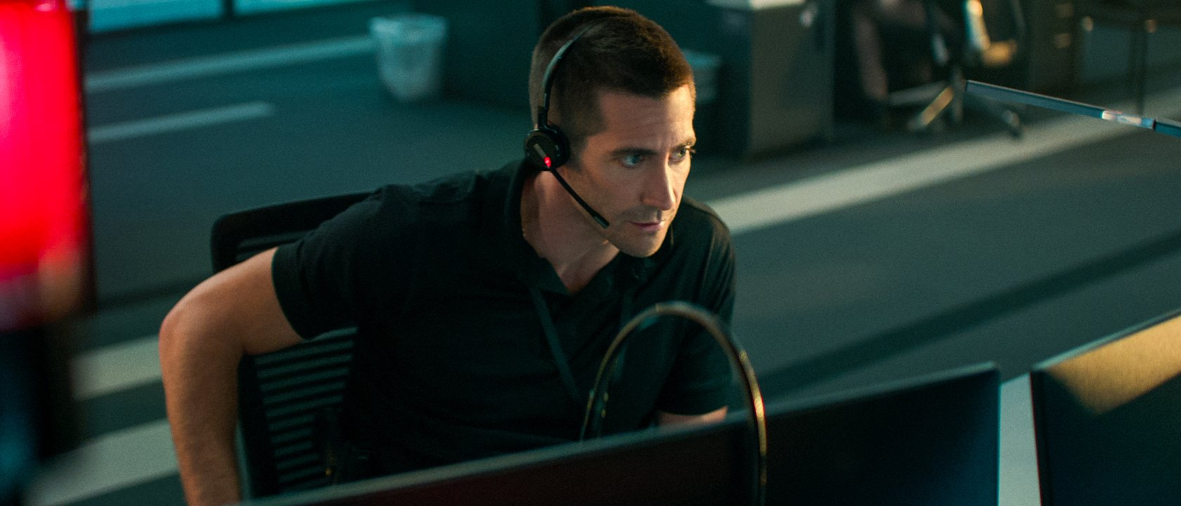 Netflix's The Guilty Review: Jake Gyllenhaal, Jake Gyllenhaal, Jake Gyllenhaal, Jake Gyllenhaal