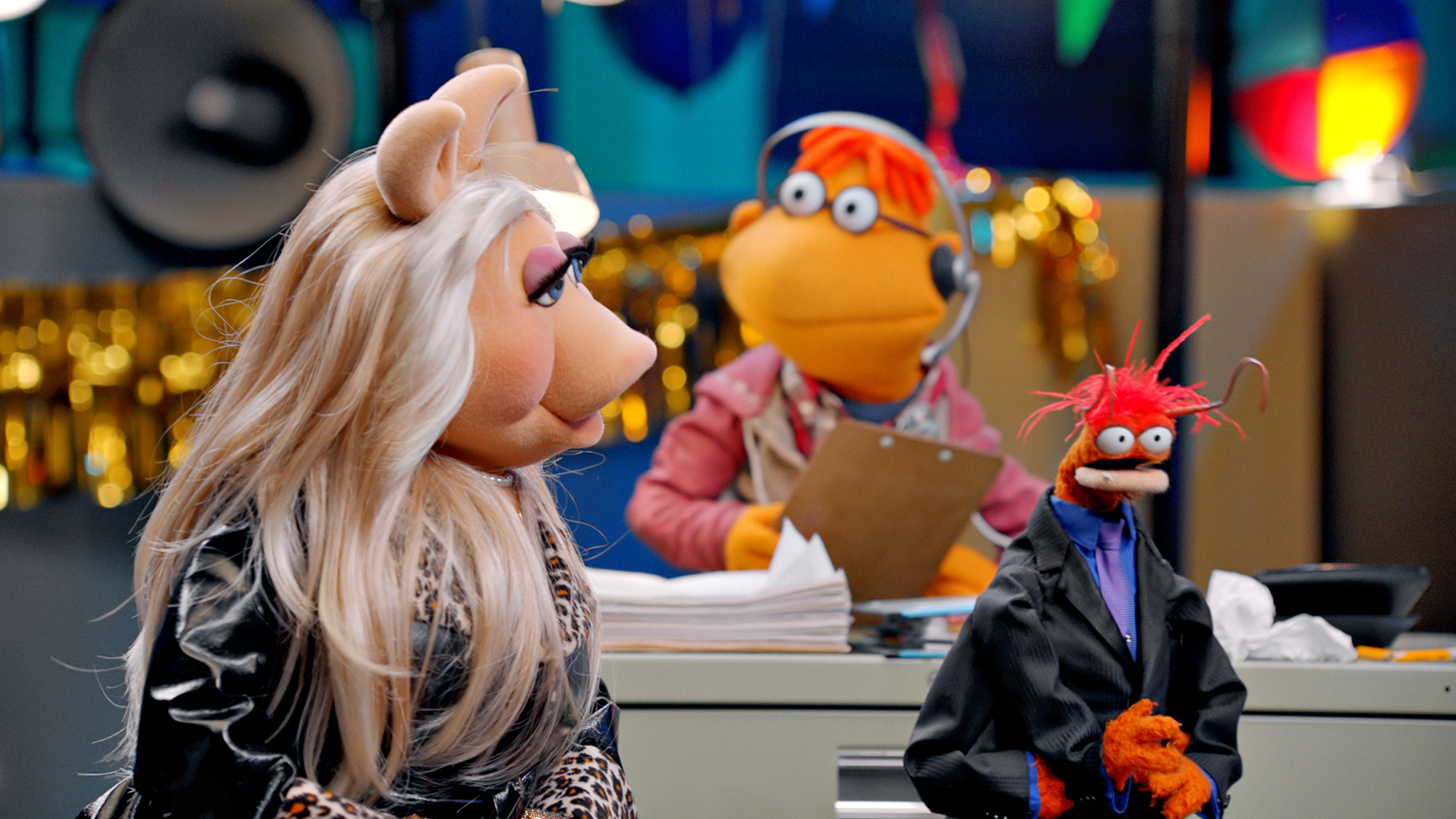 How to watch Muppets Now online: stream the new Disney Plus series today thumbnail