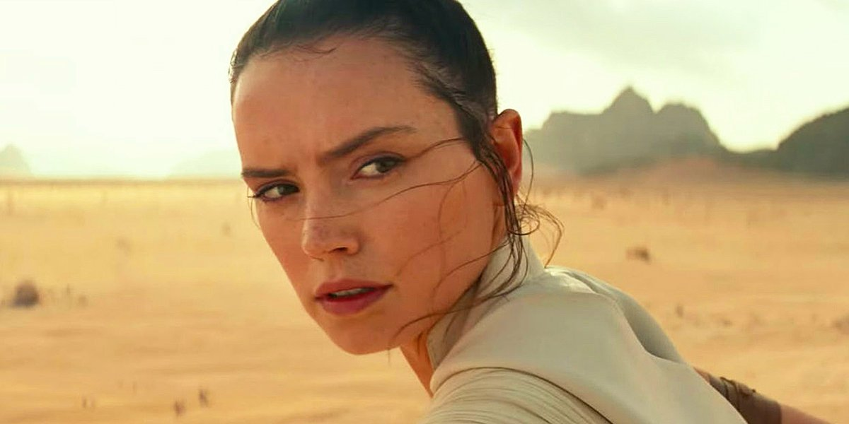 Daisy Ridley staring off as Rey in Star Wars: The Rise of Skywalker